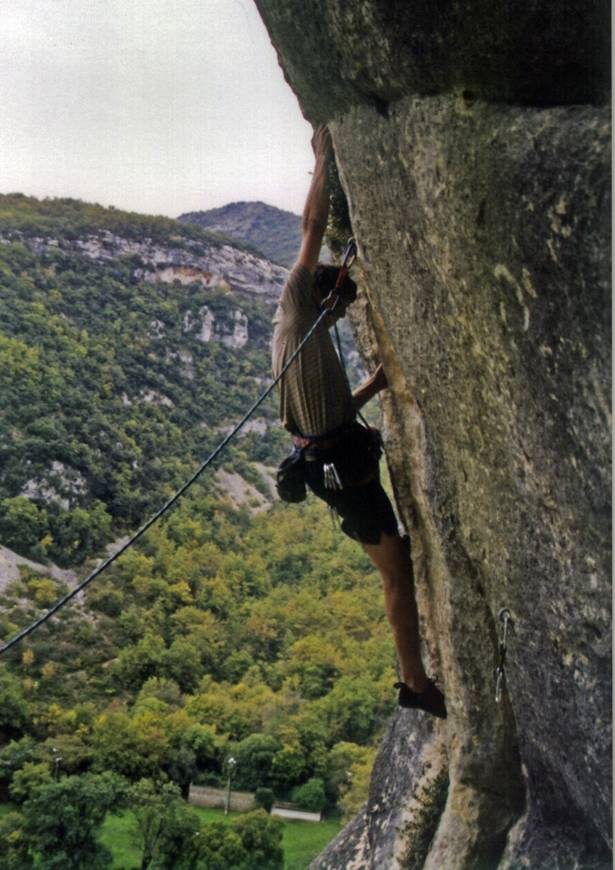 Cliff climbing in France